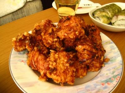 塩麹につけた鶏モモ肉の唐揚げ!