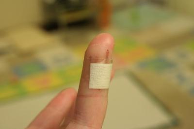 シーブックの左手は死んだ!痛いよぉ・・・。