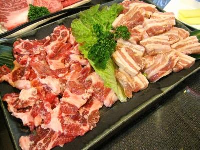 サムギョプサルと豚カルビの塩麹漬け。