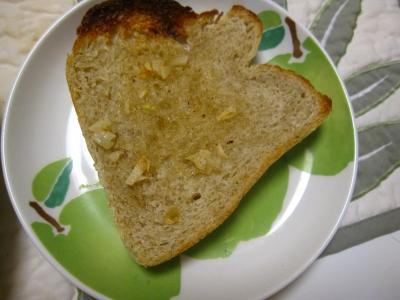 コロスケ自分用のガーリックトースト