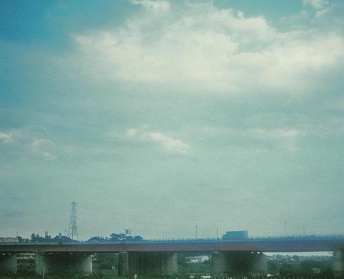 re-陸橋と空000002