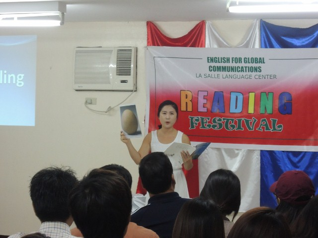 Reading (4)