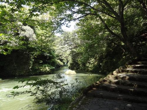 山中温泉・鶴仙渓の落ち着いた散策道