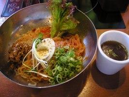 市場風ビビン麺