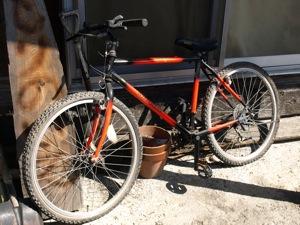2マウンテンバイク3000円
