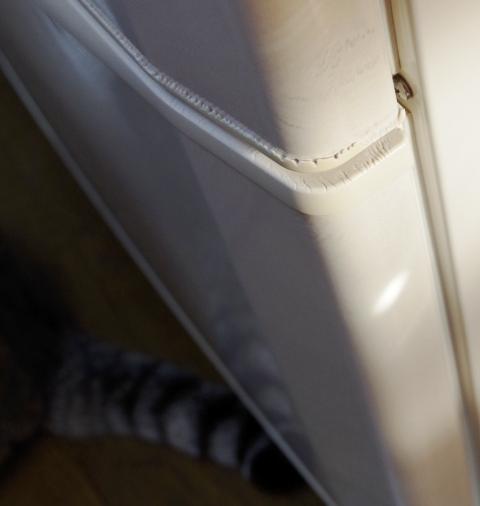 冷蔵庫の疵