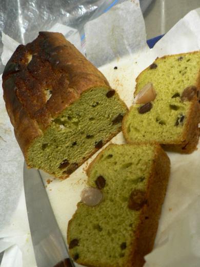 抹茶味の甘納豆入りパウンドケーキ
