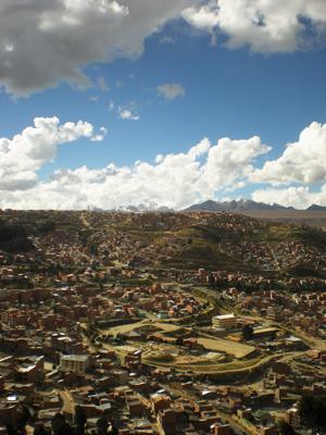 ボリビア・ラパスの町を見下ろす