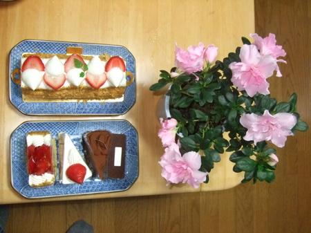 ケーキと花