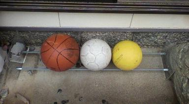 ボール入れ1