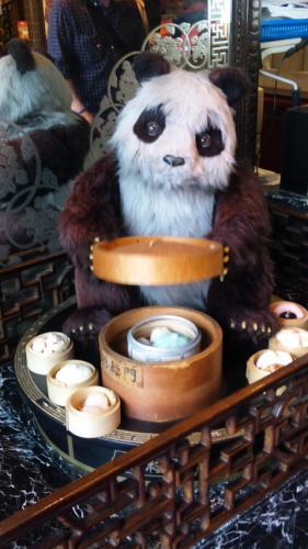 招福門の看板パンダさん♪