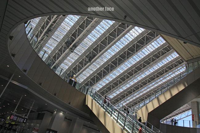 0710-Osaka station3