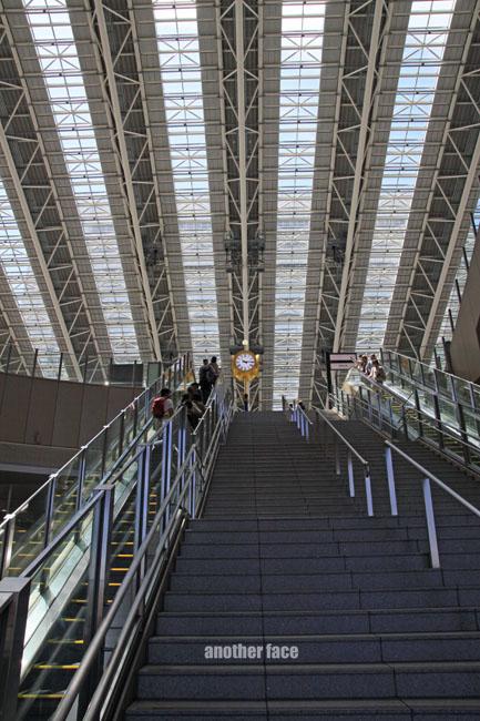 0710-Osaka station4