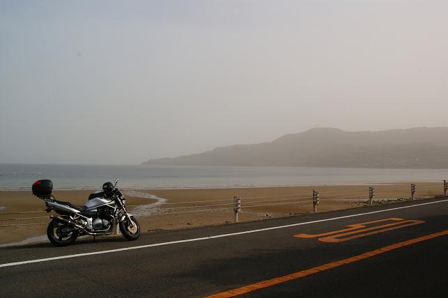 千里ヶ浜海岸沿いで