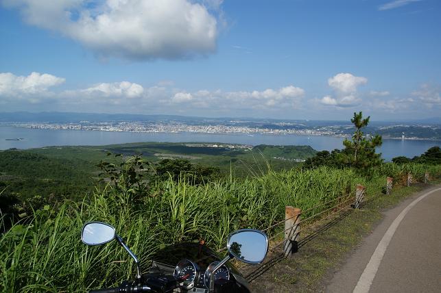 鹿児島市街を眺める