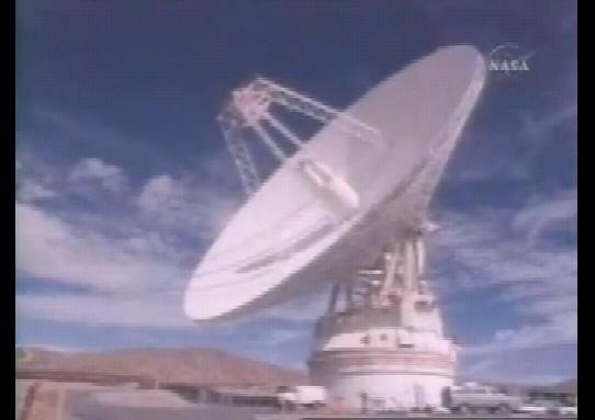 ボイジャーの観測を支えたのは地上の管制官の巧みなる手腕、そしてディープスペースネットワーク(DSN)