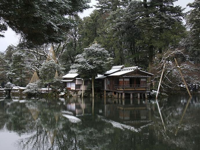 兼六園霞ヶ池を歩いて