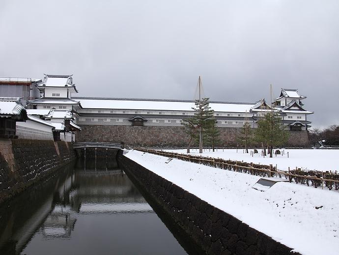 冬の金沢城五十間長屋