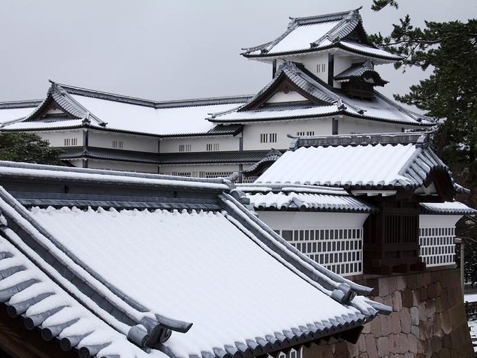 金沢城雪化粧