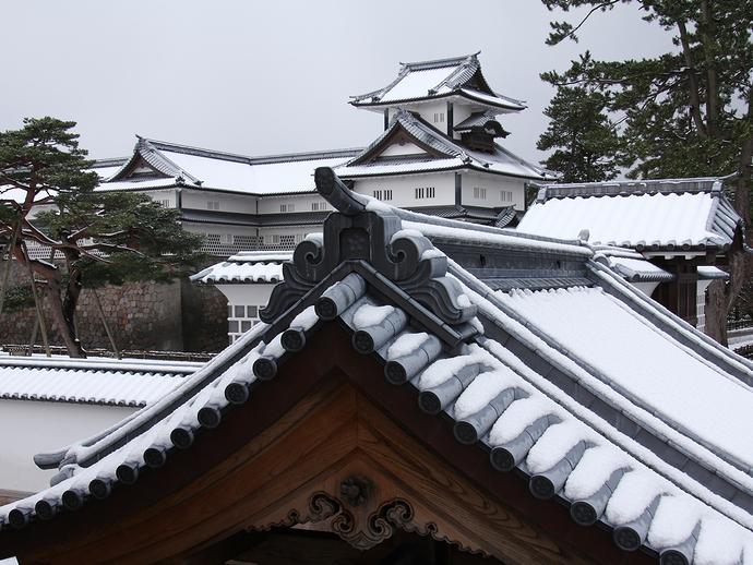 冬の金沢城の様子
