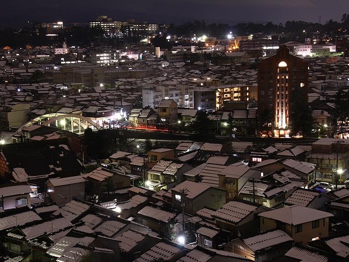 卯辰山宝泉寺から見た金沢の夜景 小立野方面