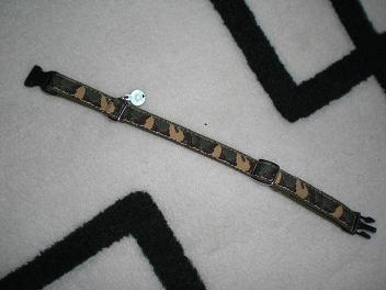 迷彩柄の首輪