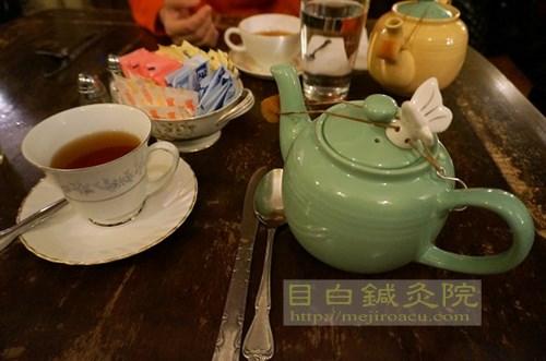 alice's tea cup 1