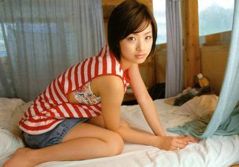aya_ueto_room0015.jpg