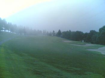秋の早朝霧