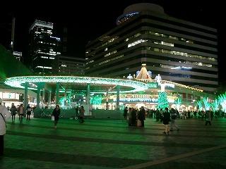 20131129JR有楽町駅前