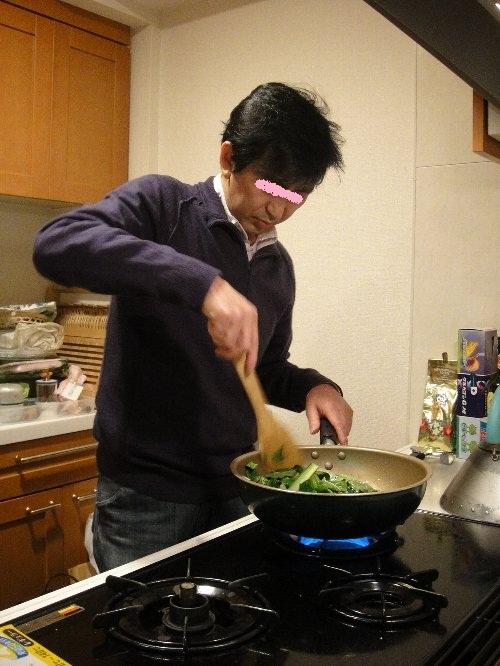キミヒト先生 お料理中