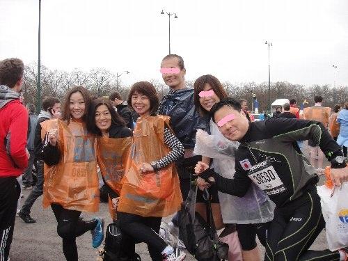 スタート前に日本人ランナー集合