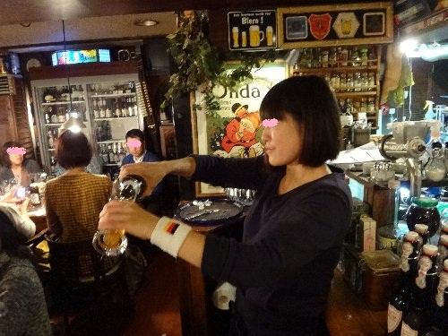 ビール説明あゆみちゃん