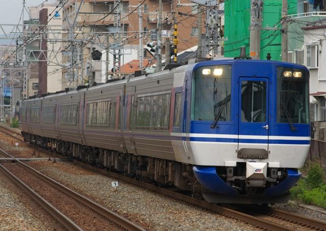 100710-cgizukyuukou-kokeshi-1.jpg