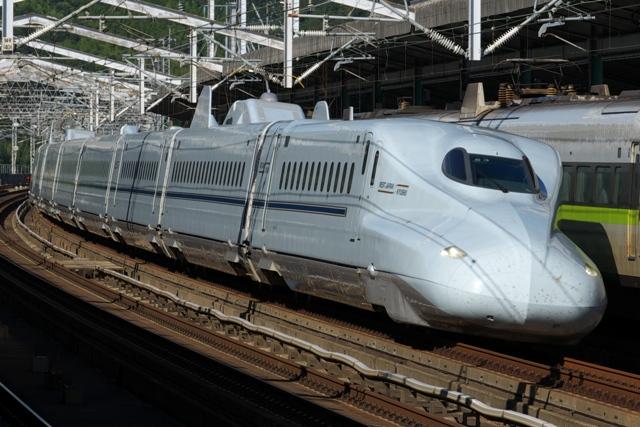 100719-JR-W-700N-sakura.jpg