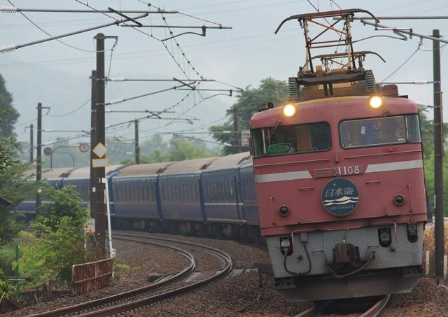 100814-JR-W-EF81-108-nihonkai.jpg