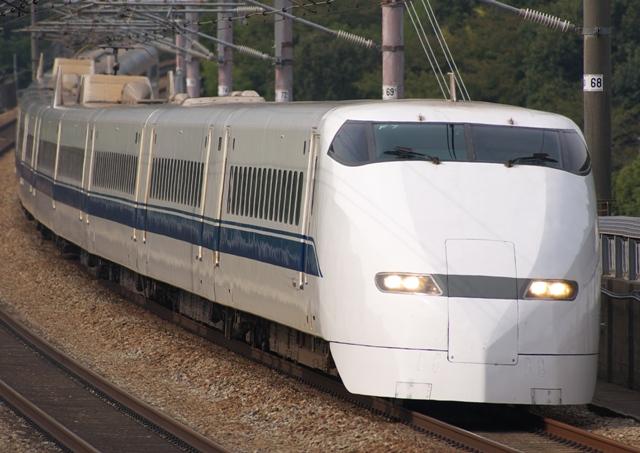 101018-JR-W-300-F7.jpg