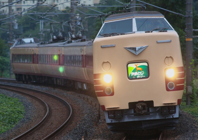 101019-JR-W-381-yamatoji-liner-1.jpg