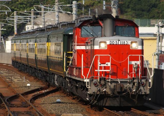 101106-JR-W-saroncarnaniwa-DD51-kainan-2.jpg
