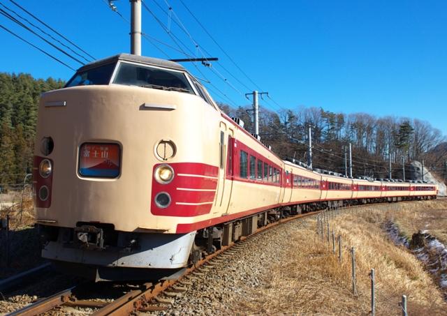 131222-JR-E-189-horikai-Fujisan-2.jpg