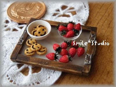 苺とスマイルクッキー