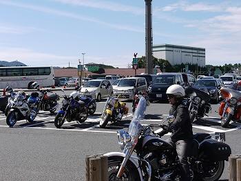 バイクもたぁ~くさん。