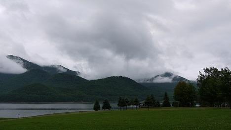 かなやま湖にて