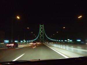 夜の明石海峡大橋。。。さらば淡路島