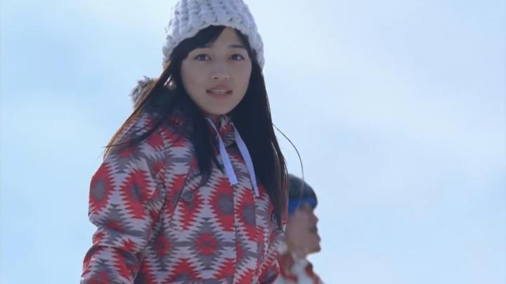 JR SKI SKIのCM、神崎から雅へ…振り返った雅、友人の姿に…