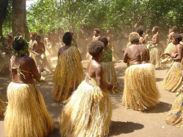 地鳴りが凄いバヌアツの女性たちのダンス