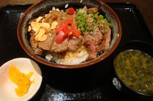 100727-003ステーキ丼(縮小)