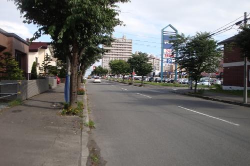 100808-008広い道路(縮小)