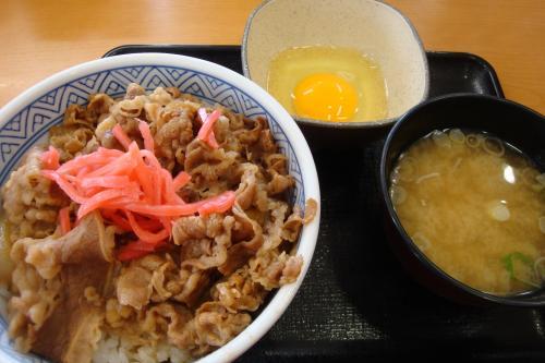 100815-103牛丼登場(縮小)