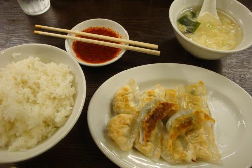 100818-004餃子とライス(縮小)